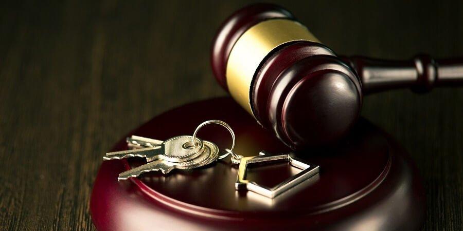 Consecuencias para el propietario si no va al juicio de desahucio por impago de alquiler